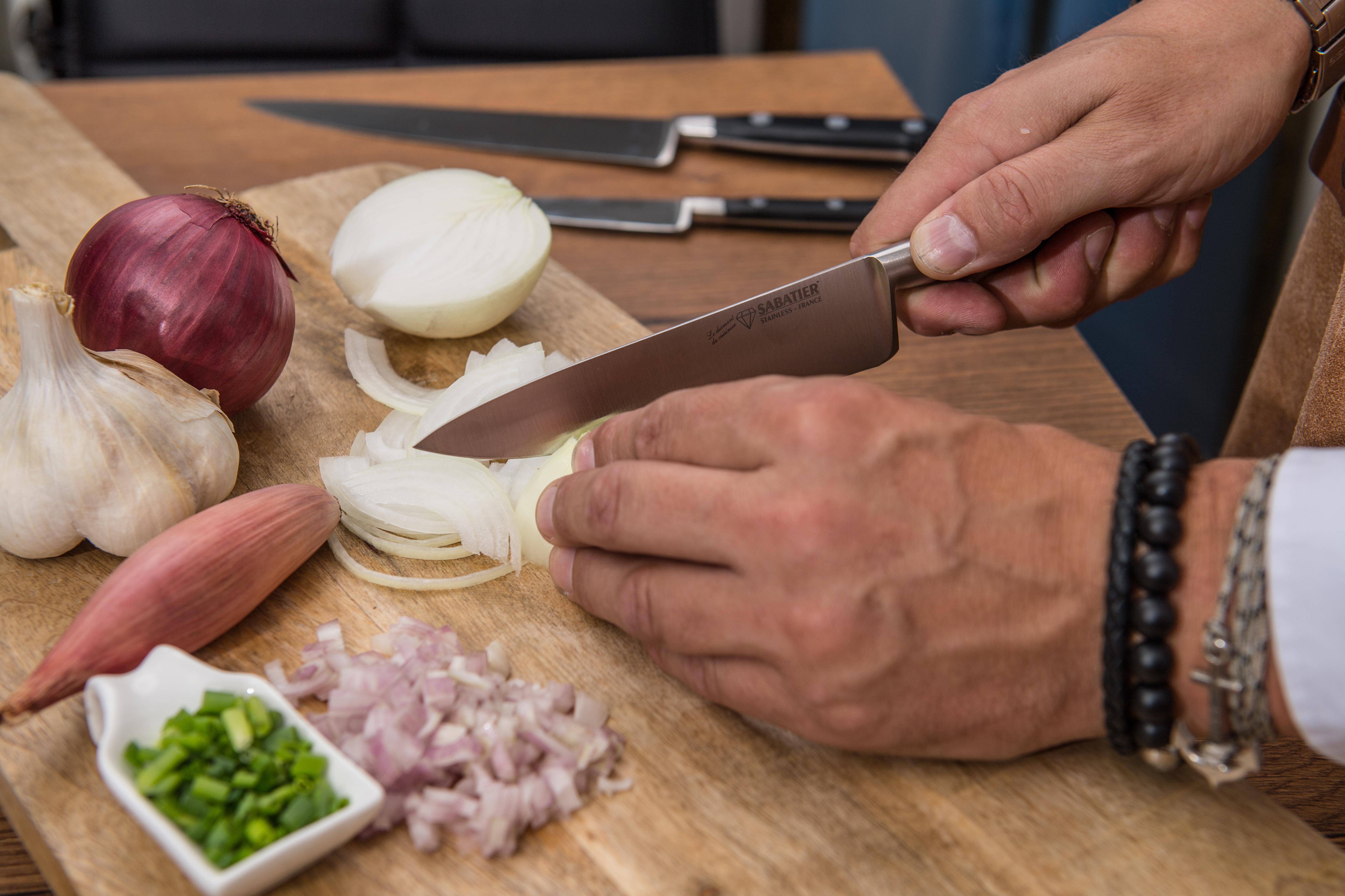 Couteau cuisine 15cm - SABATIER Diamant - Oignons